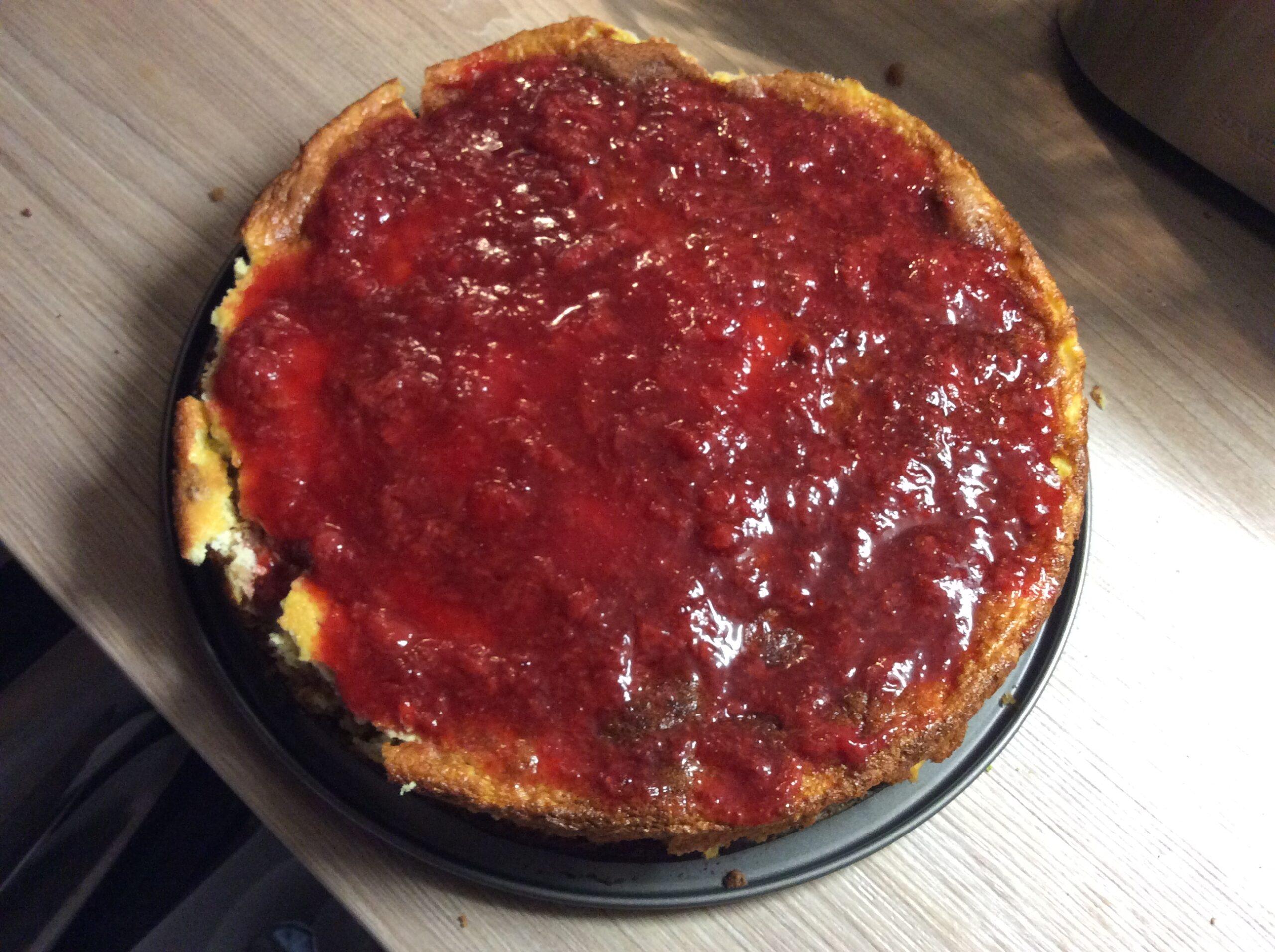 Cheesecake with homemade strawberry jam