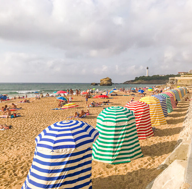 These beach tents with colored stripes are a distinctive feature of Biarritz