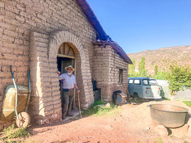 Weimar Ríos is the owner of the winery 'Cepas de Fuego'